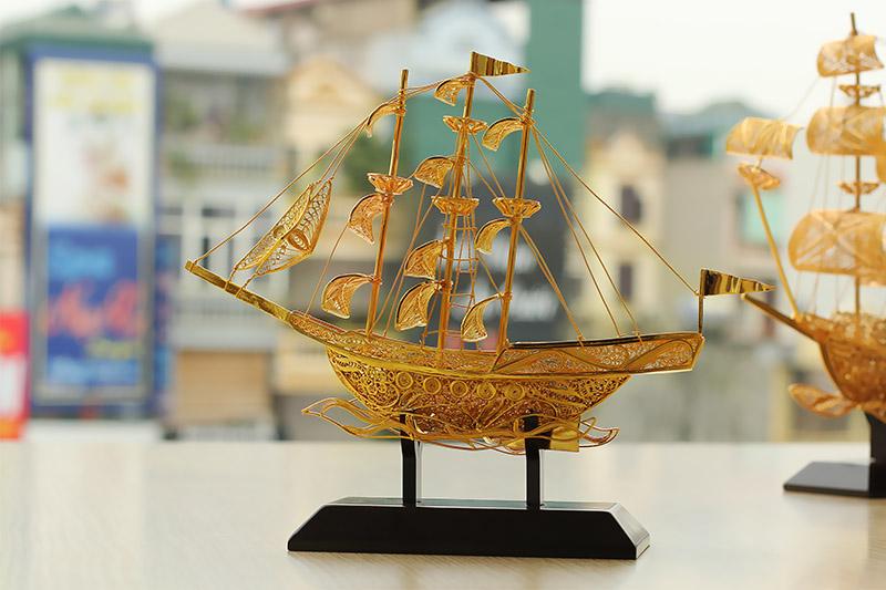 Thông tin chi tiết quà tặng Thuyền buồm mạ vàng 24k