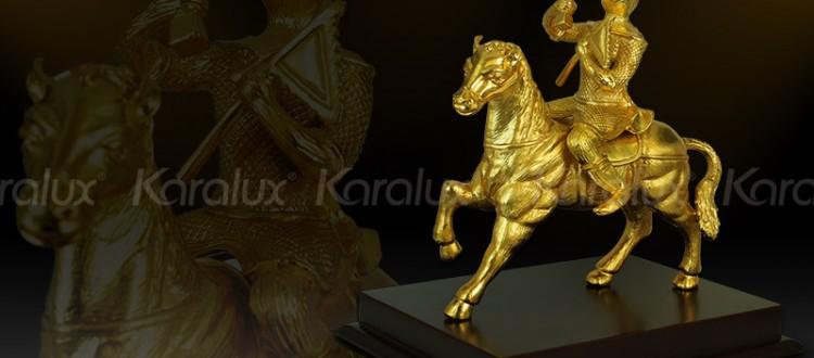Biểu tượng may mắn, thăng quan tiến chức tượng mã thượng phong hầu mạ vàng