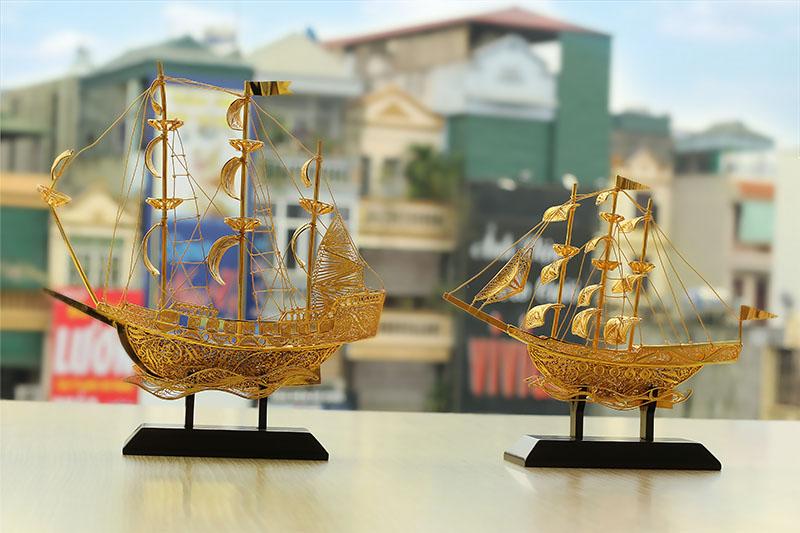 Thuyen buom phong thuy, thuyền buồm phong thủy mạ vàng 24K