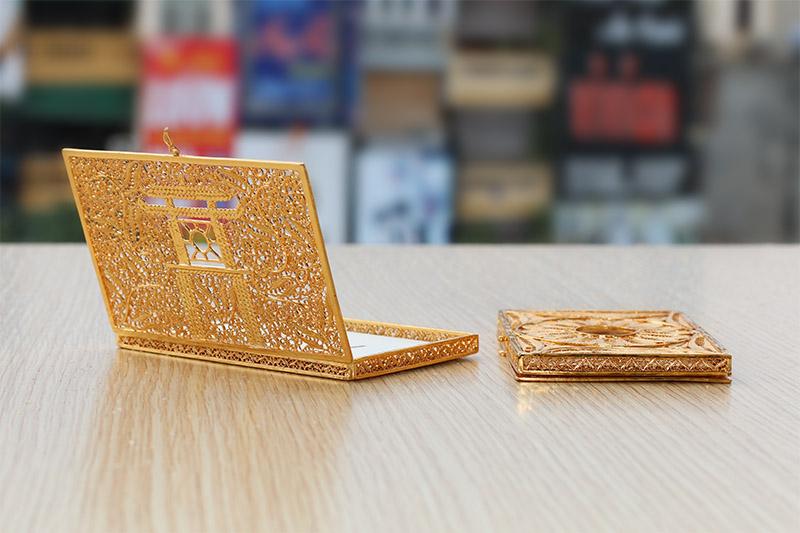 Hộp đựng danh thiếp mạ vàng 24K bởi Karalux