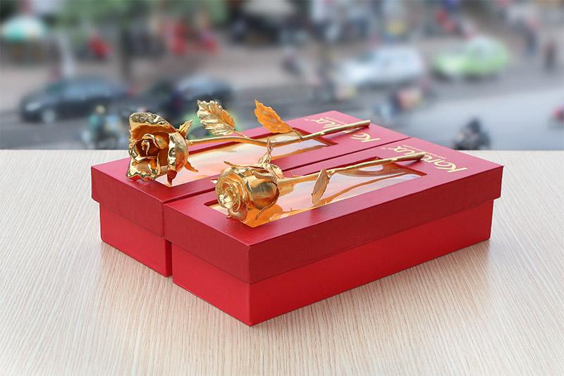 Bông hồng nở hoa mạ vàng 24K mang thương hiệu Karalux