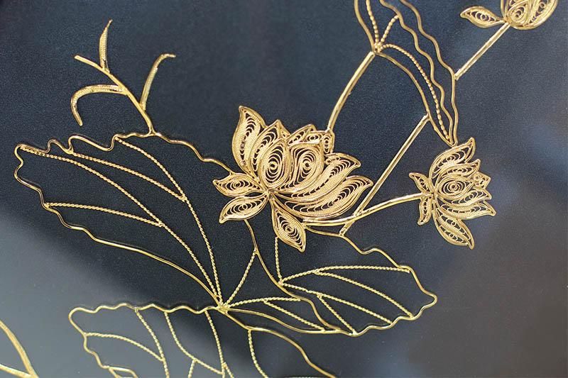 Tranh hoa sen mạ vàng 24K độc đáo bởi Karalux
