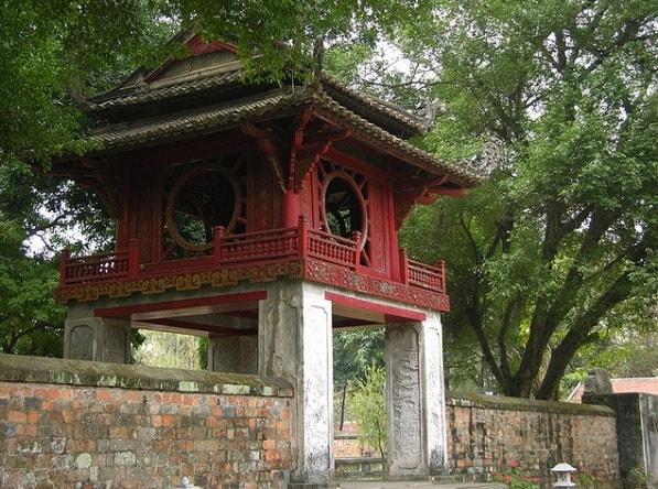 Tranh Khuê Văn Các là quà tặng ngoại giao ý nghĩa cho khách nước ngoài đến thăm và làm việc tại Việt Nam