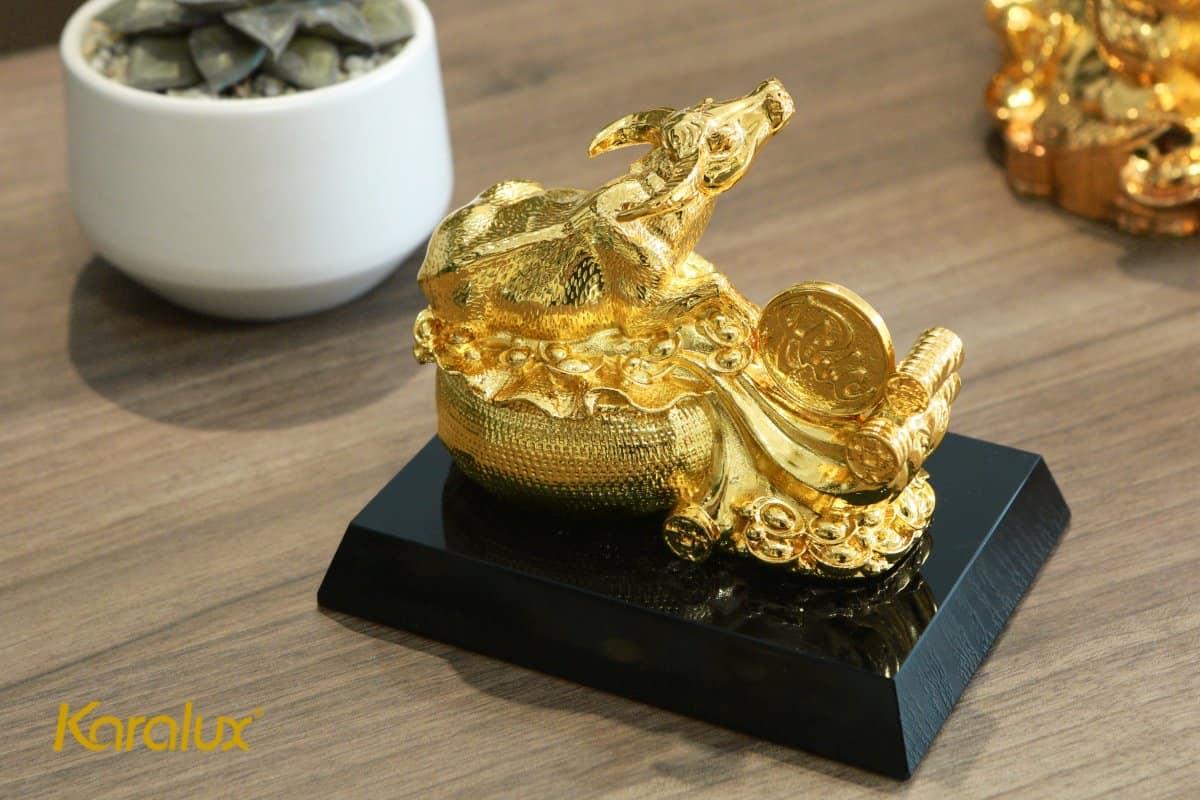 Tượng trâu mạ vàng Nghênh Phúc với thiết kế ý nghĩa là món quà tặng độc đáo dịp tết Tân Sửu 2021 với lời chúc tài lộc dồi dào