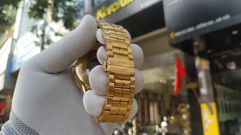 Đồng hồ mới nguyên chưa qua sử dụng sẽ dễ mạ vàng và chất lượng mạ đẹp hơn nhiều so với đồng hồ cũ